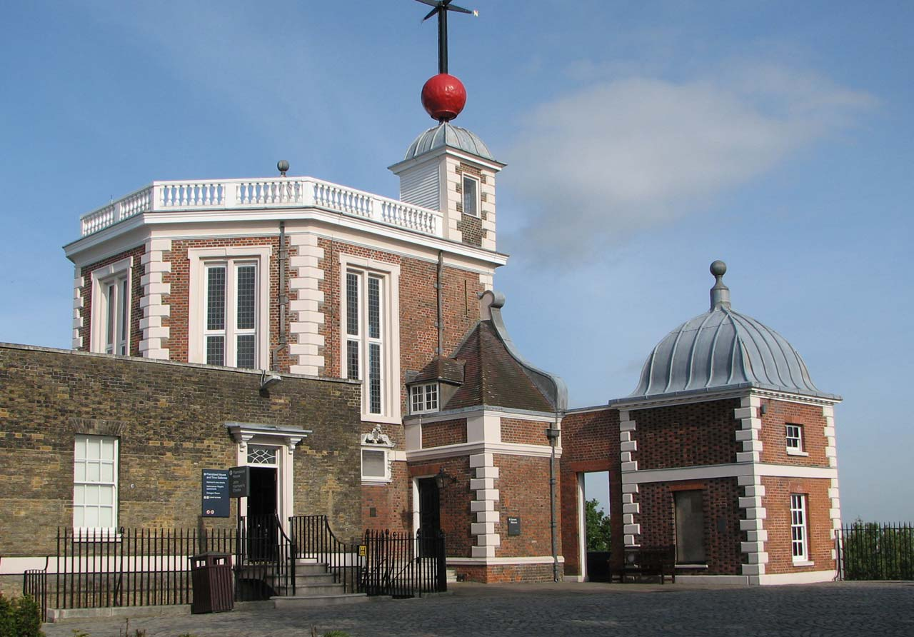 The Royal Observatory Greenwich - where east meets west: The old ...
