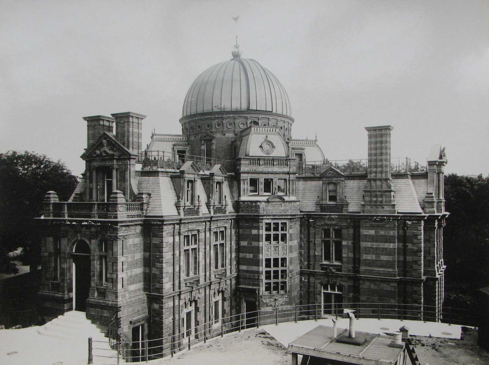 The Royal Observatory Greenwich Where East Meets West